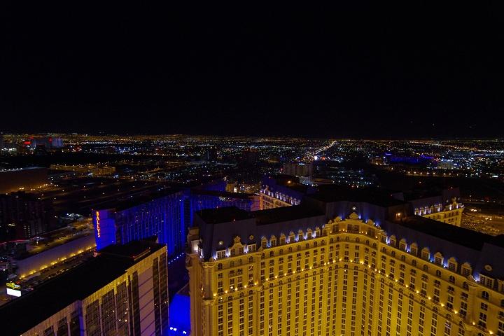 ラスベガス パリスのエッフェル塔からの夜景